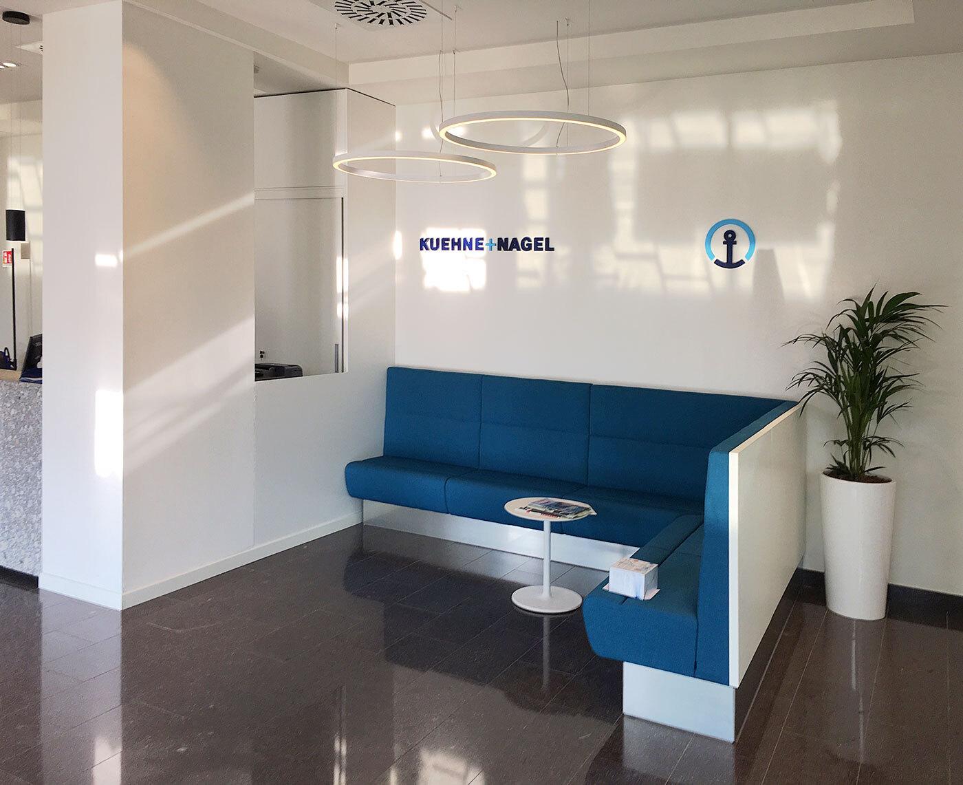 kuehnenagel-logistic-office-furniture-02.JPG