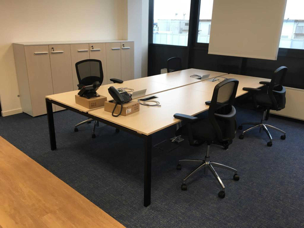 kuehnenagel-logistic-office-furniture-04.jpg
